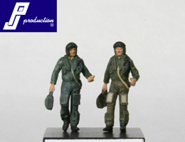 Set of 2 RAF pilots of the 90's standing  721119