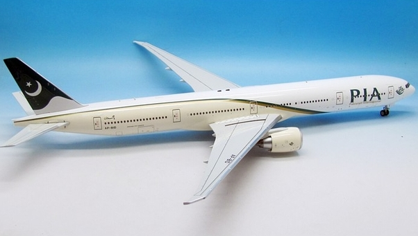 B777-300 (PIA Pakistan Internatonal) AP-BID With Stand  IF77731116