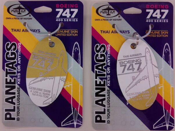 Keychain made of real aircraft skin: Boeing 747 Thai Airways HS-TGM Combo Gold/Whte  THAI GOL/WHITE