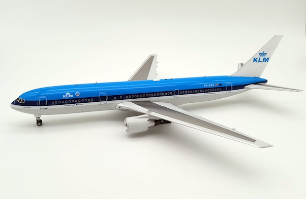 Boeing 767-300ER KLM PH-BZH With Stand  IF763KL1220