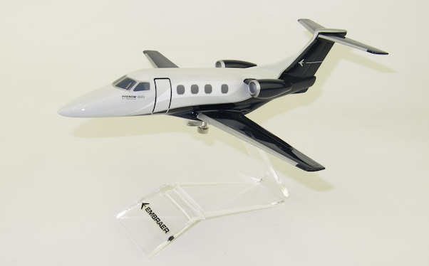 Embraer Phenom 100EV Embraer House Colors  LUPA023