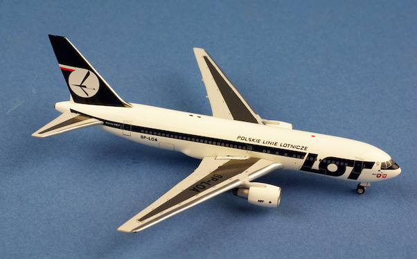 B767-200 (LOT polish Airlines) SP-LOA  AC419521