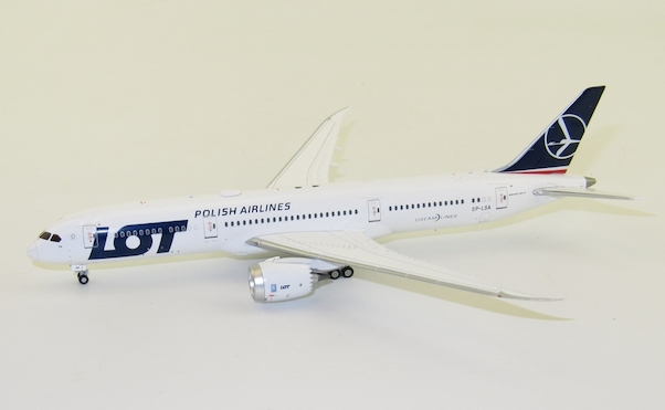 B787-9 (LOT Polish Airlines) SP-LSA With Antenna  XX4424