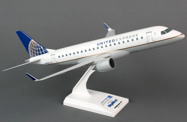 Embraer 175 (United Express / SkyWest)  SKR766