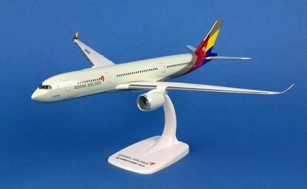 Airbus A350 Asiana HL8078  611404