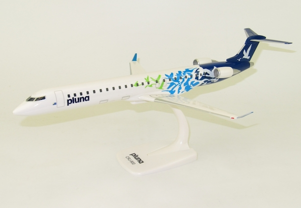 Pluna Canadair CRJ900 PPC 1:100 Scale Plastic Snap Fit Model