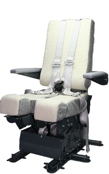 B737 Captain Pilot Seat including J-rails and seatbelts. ONLY PICK UP IN SHOP !!  SEAT737CTSCAPT