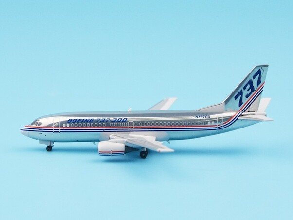B737-300 (Boeing House colours, polished), N73700  PMN73700