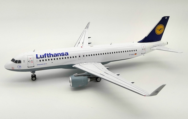 Airbus A320-200 Lufthansa D-AIUI With Stand  JF-A320-013
