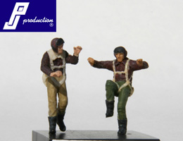 Set of 2 US pilots of the WW2 standing  721121