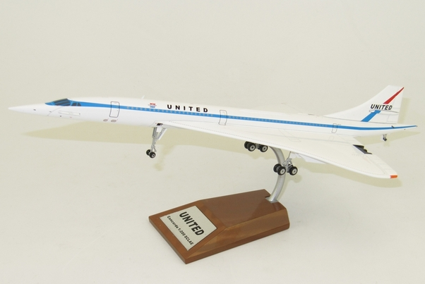 Concorde (United) with stand  IFCONC1016