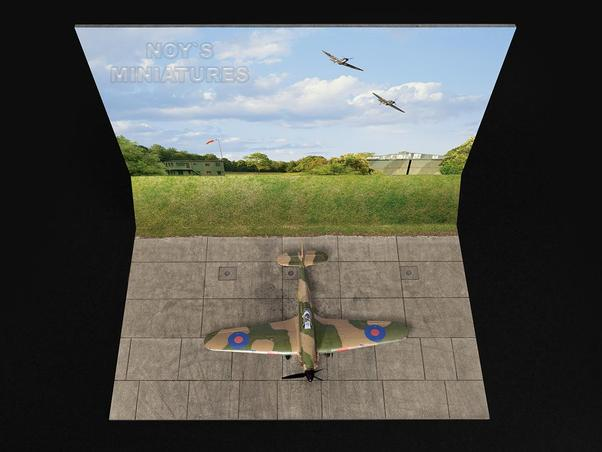Battle of Britain Airfield Set V.2 (Grass Wall) with Bonus 3D Component  480172