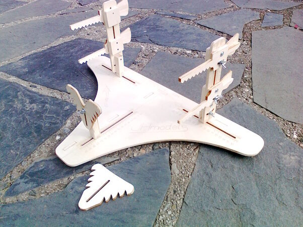 Wooden stand for bi-planes building/transport - IDEAL for WingNut Wing  kits!!!!! (JH Models jhm3202)