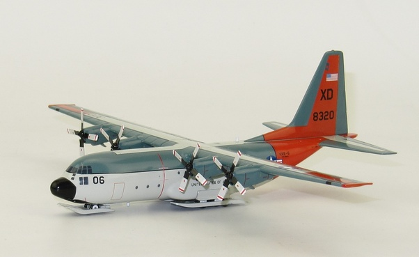 Hercules LC-130F / L282 (US Navy, XD-06) With Stand LIMITED 96pcs  IF1300717