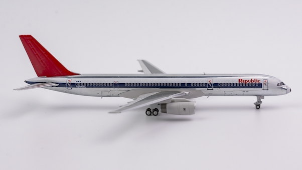 B757-200 (Republic Airlines, NW scheme; polished; red tail) N604RC  53035