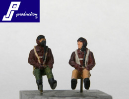 Set of 2 US pilots of the WW2 seated in a/c  721120