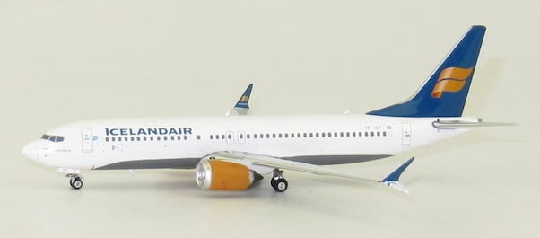 Boeing 737-8MAX Icelandair TF-ICY  04219